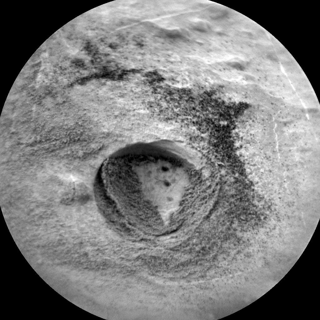 [Curiosity/MSL] L'exploration du Cratère Gale (2/2) - Page 39 CR0_586148694PRC_F0720386CCAM06124L1-br2