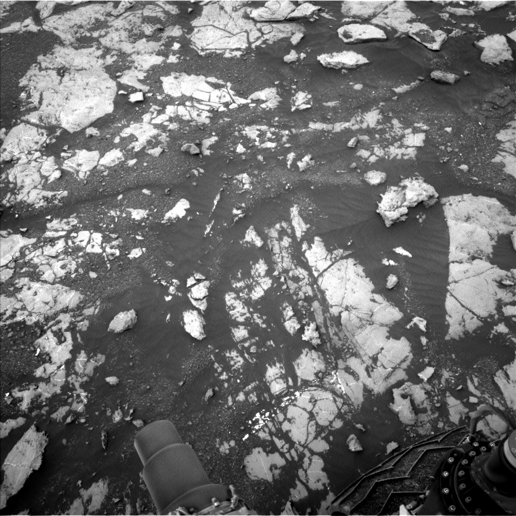 Nasa's Mars rover Curiosity acquired this image using its Left Navigation Camera on Sol 2129, at drive 1286, site number 72