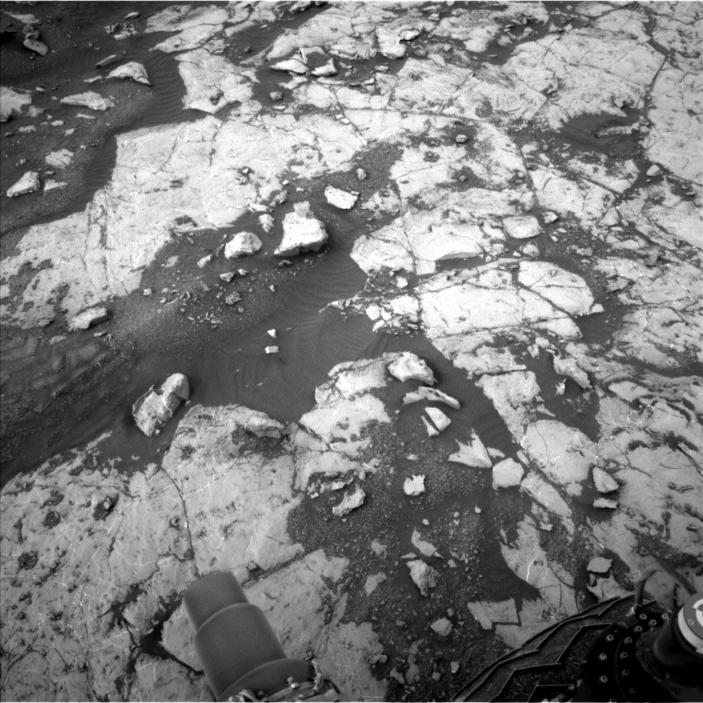 Nasa's Mars rover Curiosity acquired this image using its Left Navigation Camera on Sol 2132, at drive 1316, site number 72