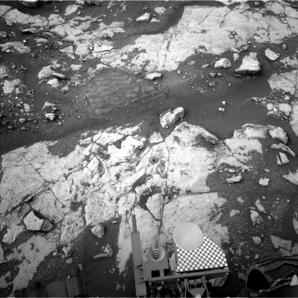 Nasa's Mars rover Curiosity acquired this image using its Left Navigation Camera on Sol 2136, at drive 1316, site number 72