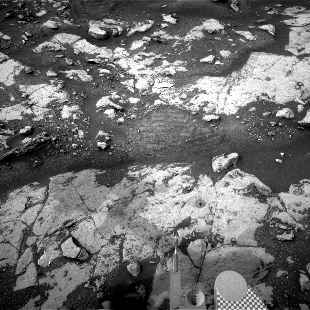 Nasa's Mars rover Curiosity acquired this image using its Left Navigation Camera on Sol 2154, at drive 1316, site number 72