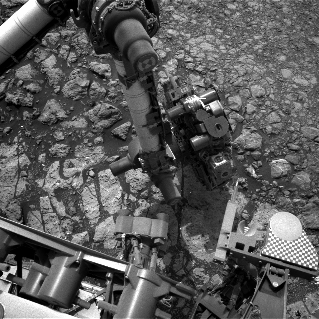 Nasa's Mars rover Curiosity acquired this image using its Left Navigation Camera on Sol 2166, at drive 2410, site number 72