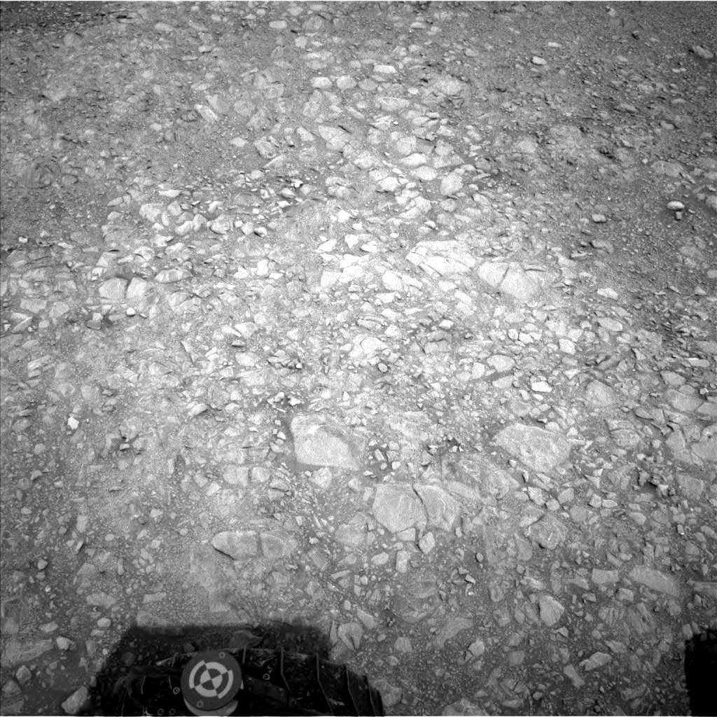 Nasa's Mars rover Curiosity acquired this image using its Left Navigation Camera on Sol 2166, at drive 2464, site number 72