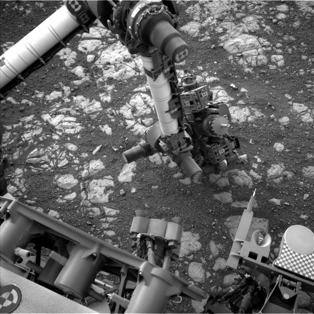 Nasa's Mars rover Curiosity acquired this image using its Left Navigation Camera on Sol 2168, at drive 2464, site number 72