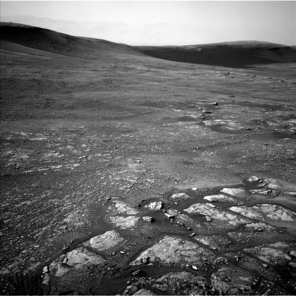 Nasa's Mars rover Curiosity acquired this image using its Left Navigation Camera on Sol 2347, at drive 0, site number 75