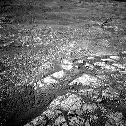 Nasa's Mars rover Curiosity acquired this image using its Left Navigation Camera on Sol 2350, at drive 0, site number 75