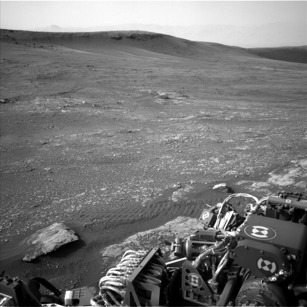 Nasa's Mars rover Curiosity acquired this image using its Left Navigation Camera on Sol 2350, at drive 60, site number 75