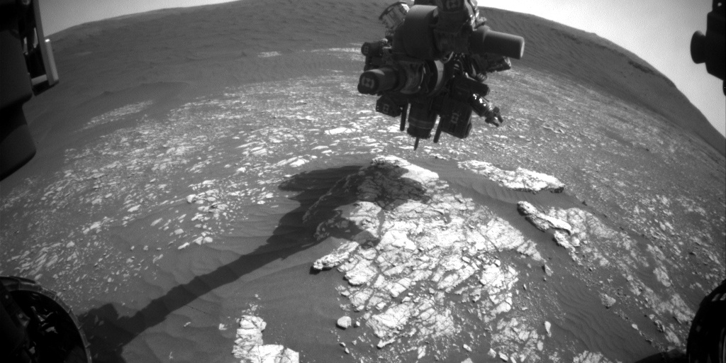 Nasa's Mars rover Curiosity acquired this image using its Front Hazard Avoidance Camera (Front Hazcam) on Sol 2370, at drive 1386, site number 75