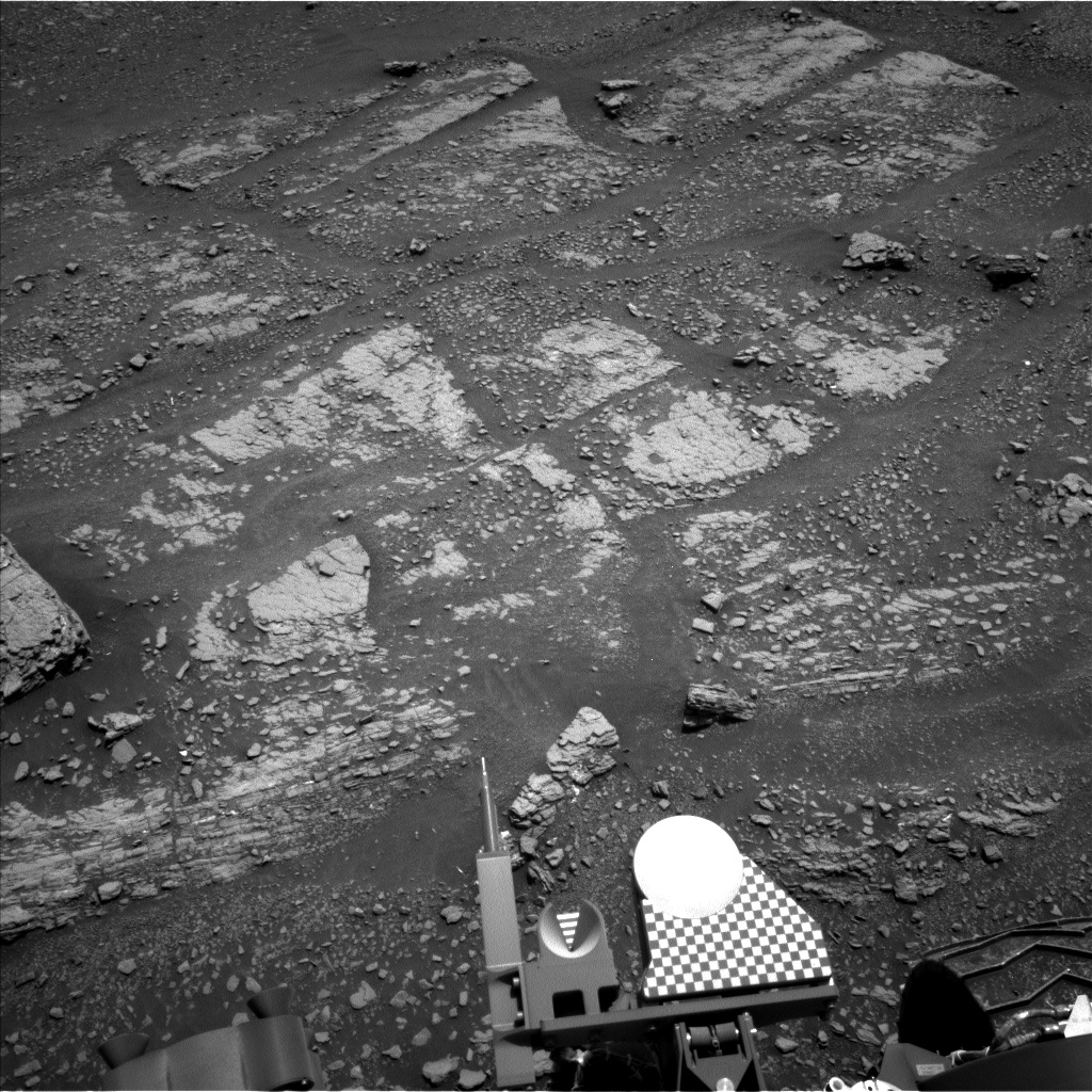 Nasa's Mars rover Curiosity acquired this image using its Left Navigation Camera on Sol 2425, at drive 2860, site number 75