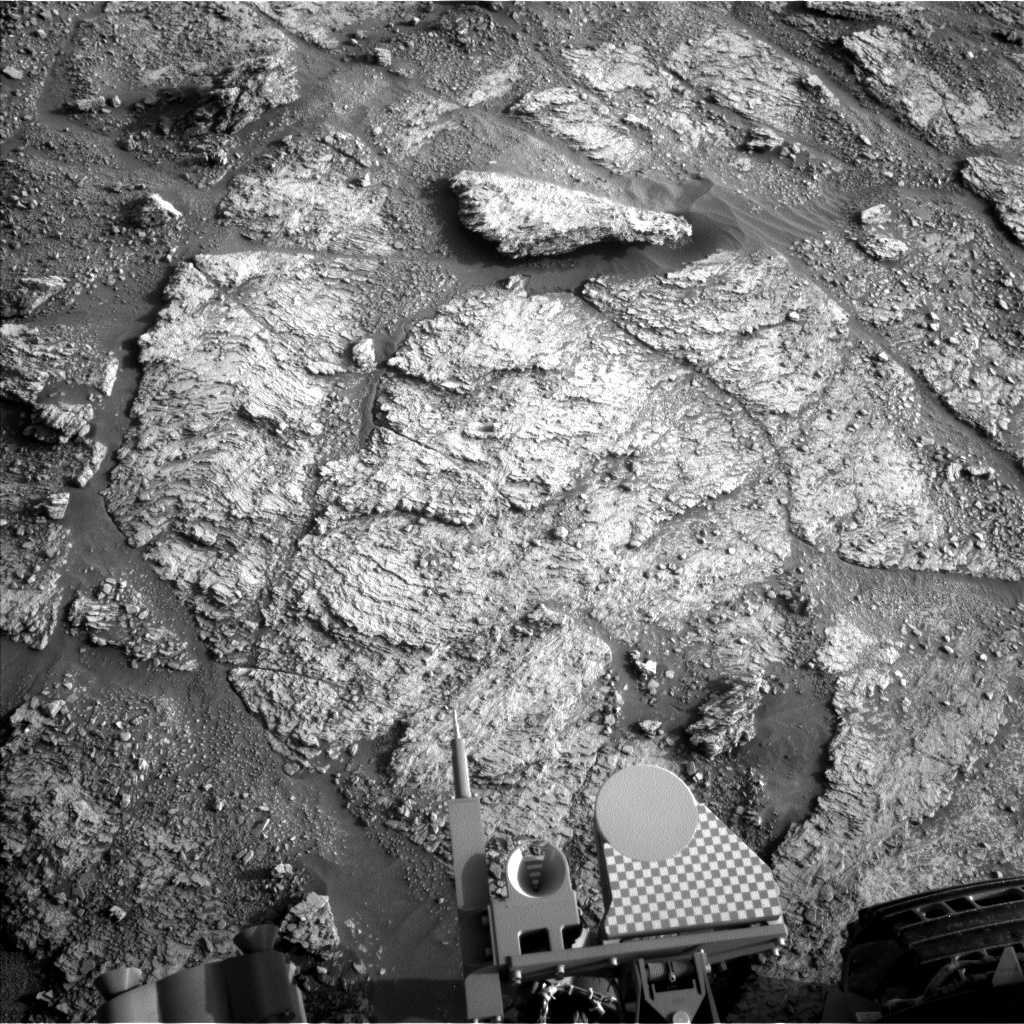 NASA's Mars rover Curiosity acquired this image using its Left Navigation Camera (Navcams) on Sol 2463