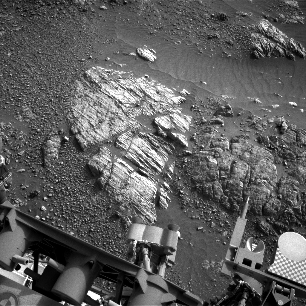 Nasa's Mars rover Curiosity acquired this image using its Left Navigation Camera on Sol 2470, at drive 2194, site number 76