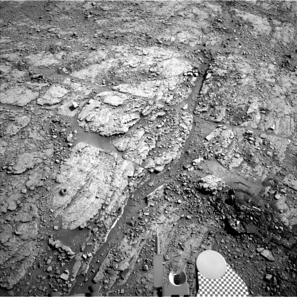 NASA's Mars rover Curiosity acquired this image using its Left Navigation Camera (Navcams) on Sol 2492