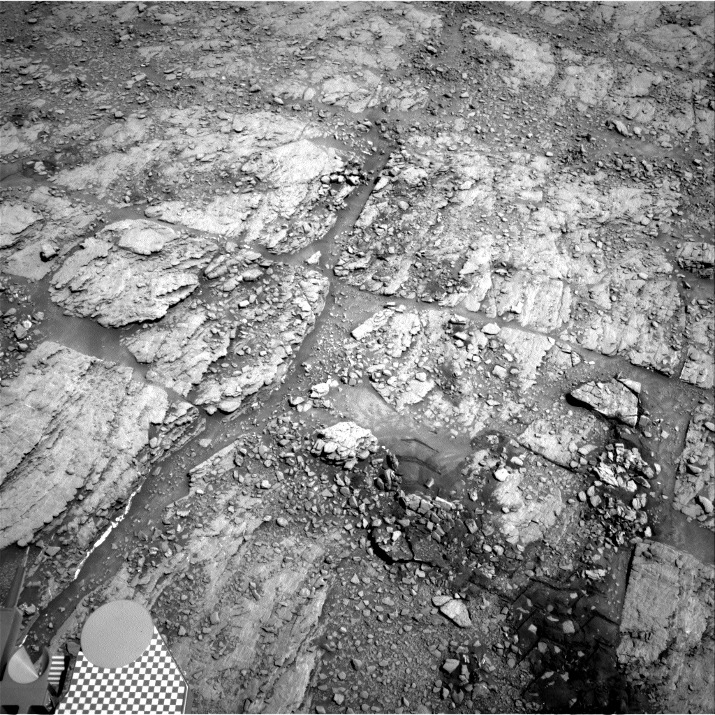 Nasa's Mars rover Curiosity acquired this image using its Right Navigation Camera on Sol 2518, at drive 3002, site number 76