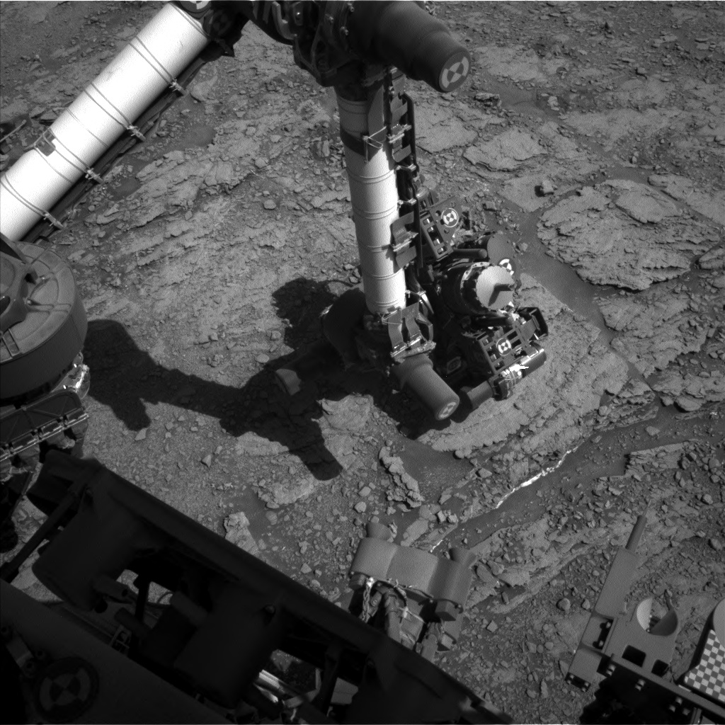 Nasa's Mars rover Curiosity acquired this image using its Left Navigation Camera on Sol 2525, at drive 3002, site number 76