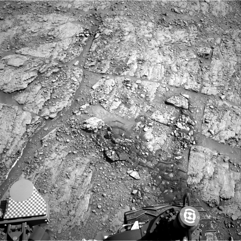 Nasa's Mars rover Curiosity acquired this image using its Right Navigation Camera on Sol 2525, at drive 3002, site number 76
