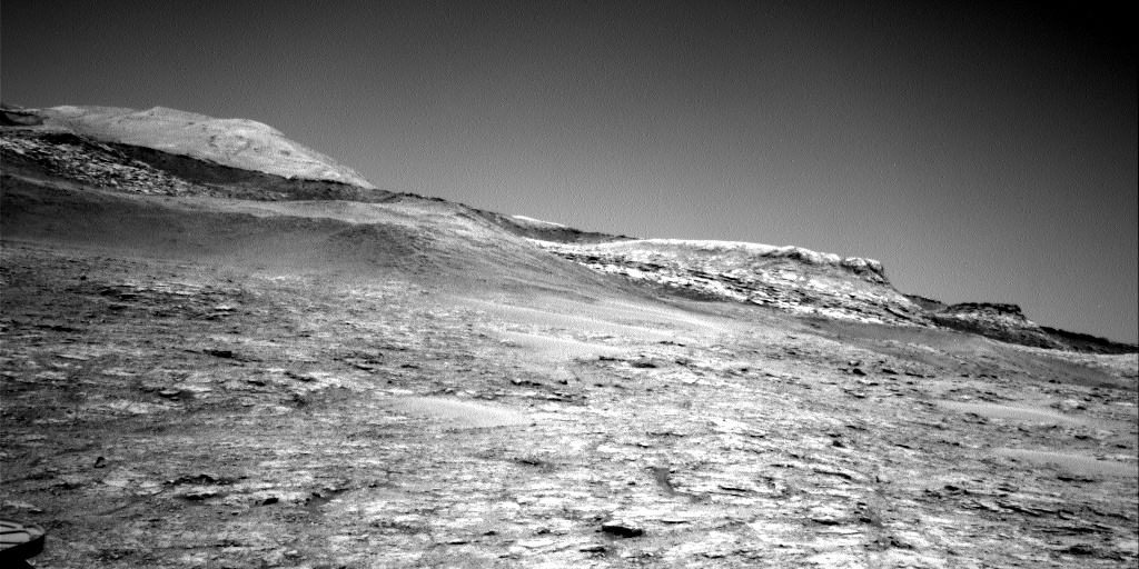 Nasa's Mars rover Curiosity acquired this image using its Right Navigation Camera on Sol 2528, at drive 3002, site number 76