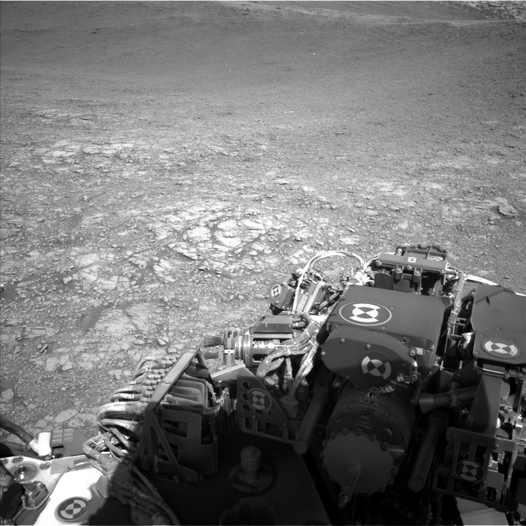 Nasa's Mars rover Curiosity acquired this image using its Left Navigation Camera on Sol 2555, at drive 0, site number 77
