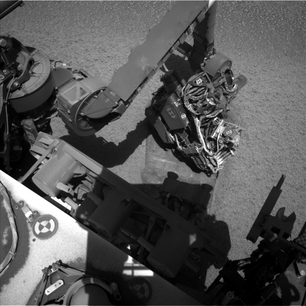 Nasa's Mars rover Curiosity acquired this image using its Left Navigation Camera on Sol 2559, at drive 70, site number 77