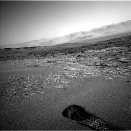 Nasa's Mars rover Curiosity acquired this image using its Left Navigation Camera on Sol 2559, at drive 100, site number 77