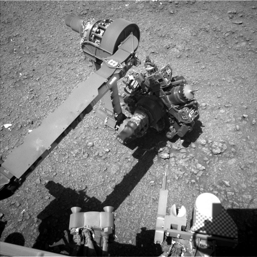Nasa's Mars rover Curiosity acquired this image using its Left Navigation Camera on Sol 2563, at drive 292, site number 77