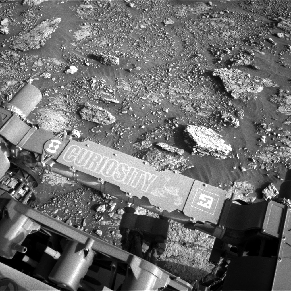 Nasa's Mars rover Curiosity acquired this image using its Left Navigation Camera on Sol 2568, at drive 910, site number 77