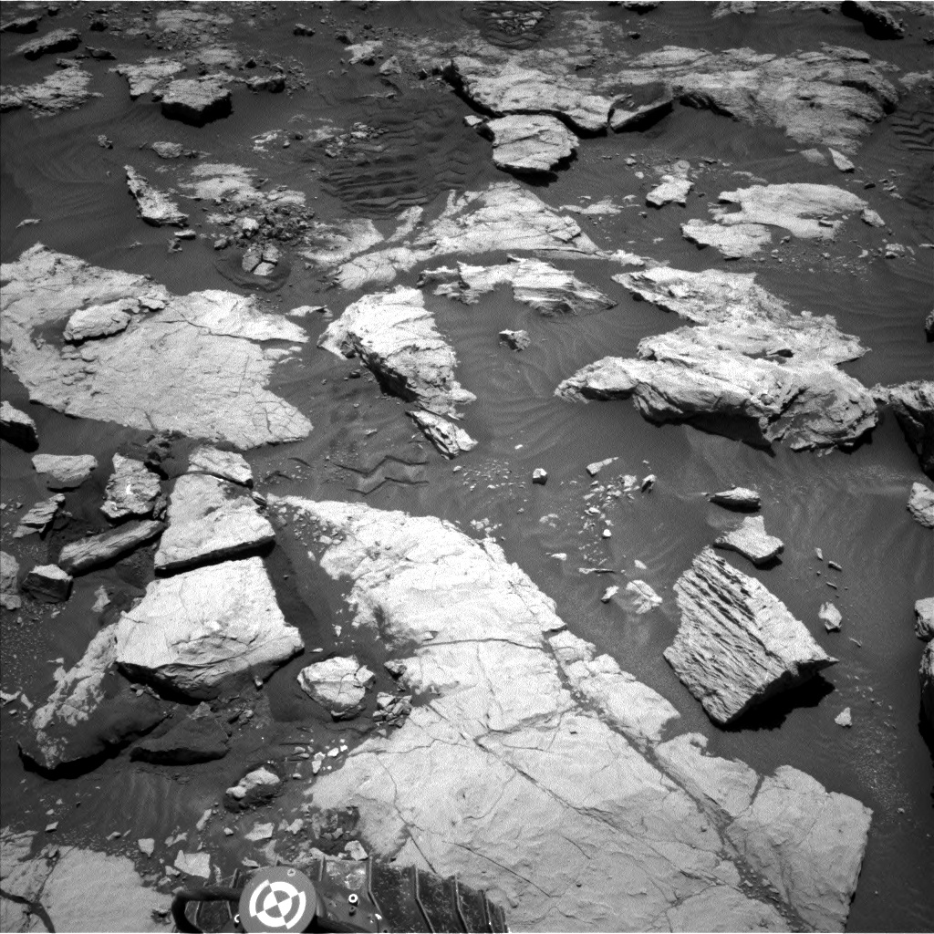 Nasa's Mars rover Curiosity acquired this image using its Left Navigation Camera on Sol 2573, at drive 1070, site number 77