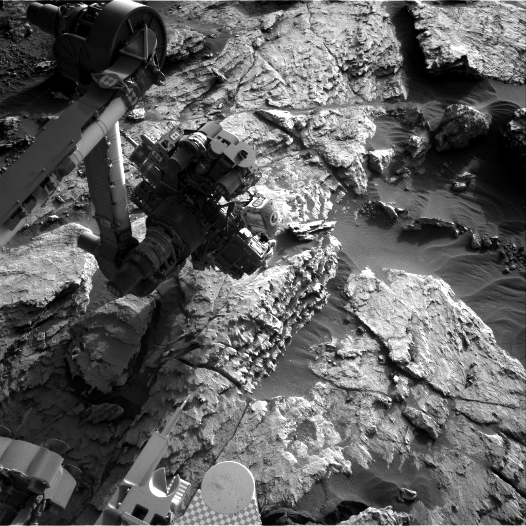 Nasa's Mars rover Curiosity acquired this image using its Right Navigation Camera on Sol 2574, at drive 1070, site number 77