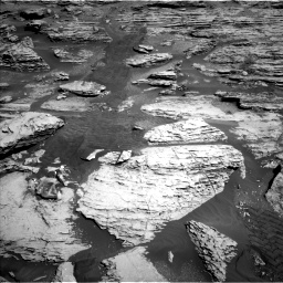 Nasa's Mars rover Curiosity acquired this image using its Left Navigation Camera on Sol 2586, at drive 1674, site number 77