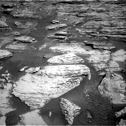 Nasa's Mars rover Curiosity acquired this image using its Right Navigation Camera on Sol 2586, at drive 1674, site number 77