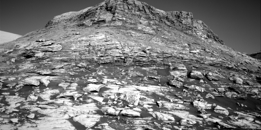 Nasa's Mars rover Curiosity acquired this image using its Right Navigation Camera on Sol 2586, at drive 1926, site number 77