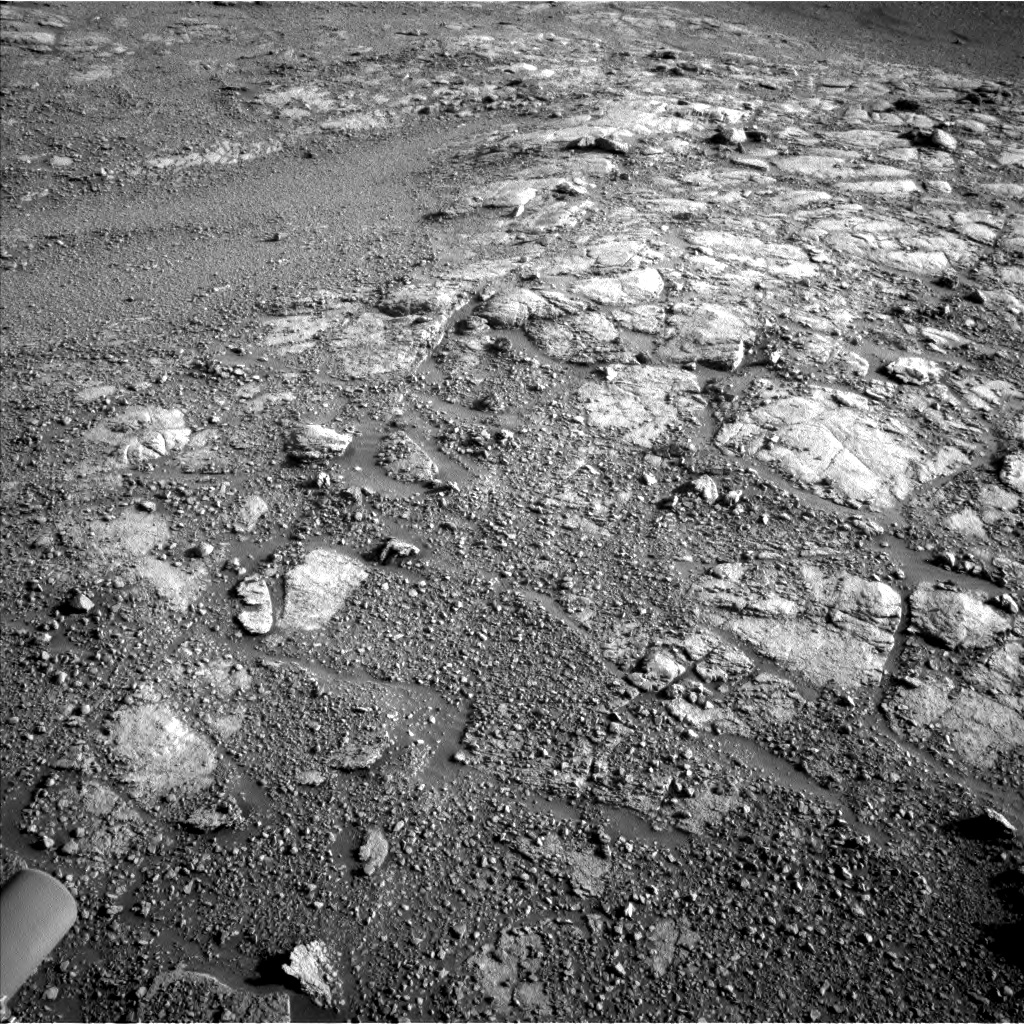 Nasa's Mars rover Curiosity acquired this image using its Left Navigation Camera on Sol 2595, at drive 2750, site number 77