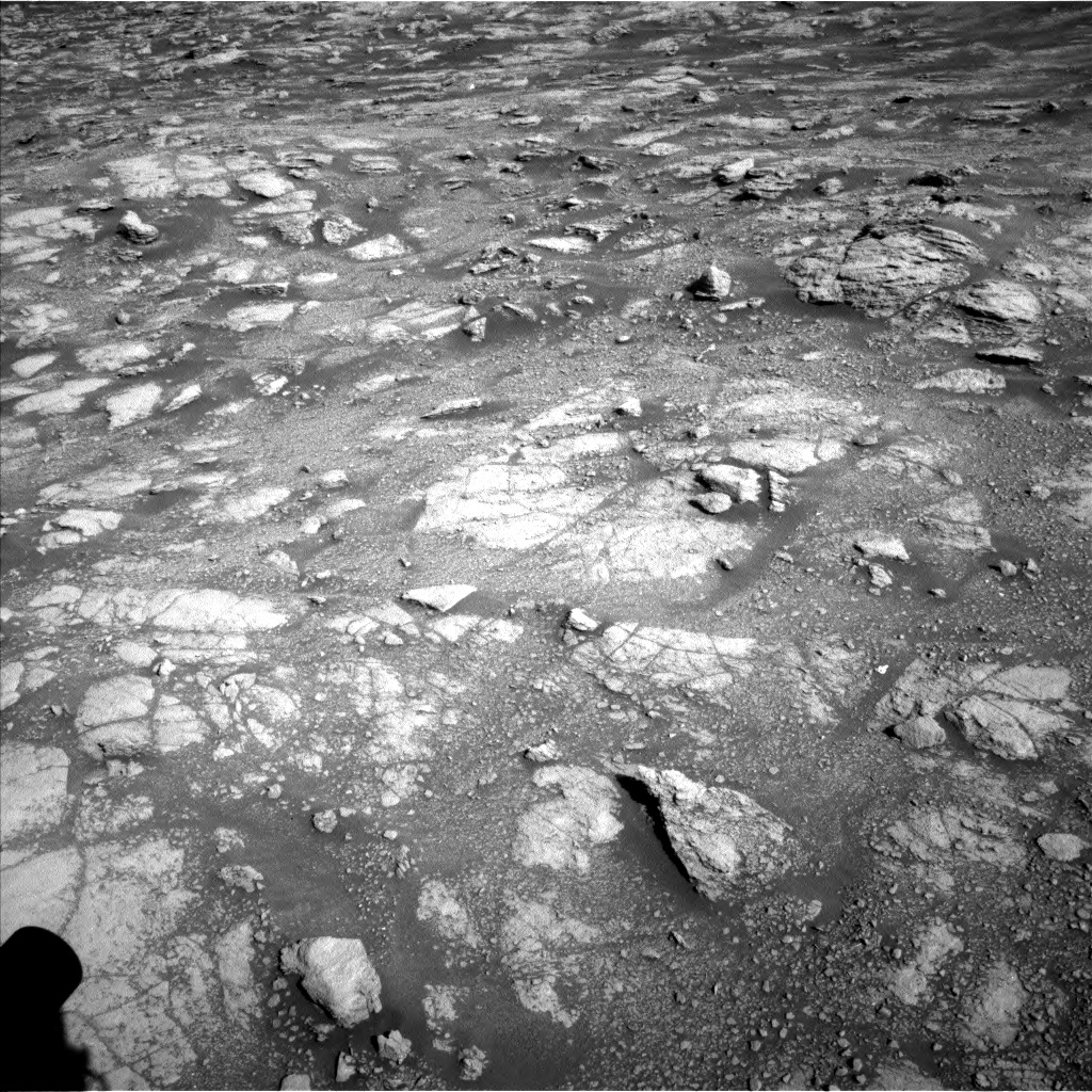 Nasa's Mars rover Curiosity acquired this image using its Left Navigation Camera on Sol 2602, at drive 2918, site number 77