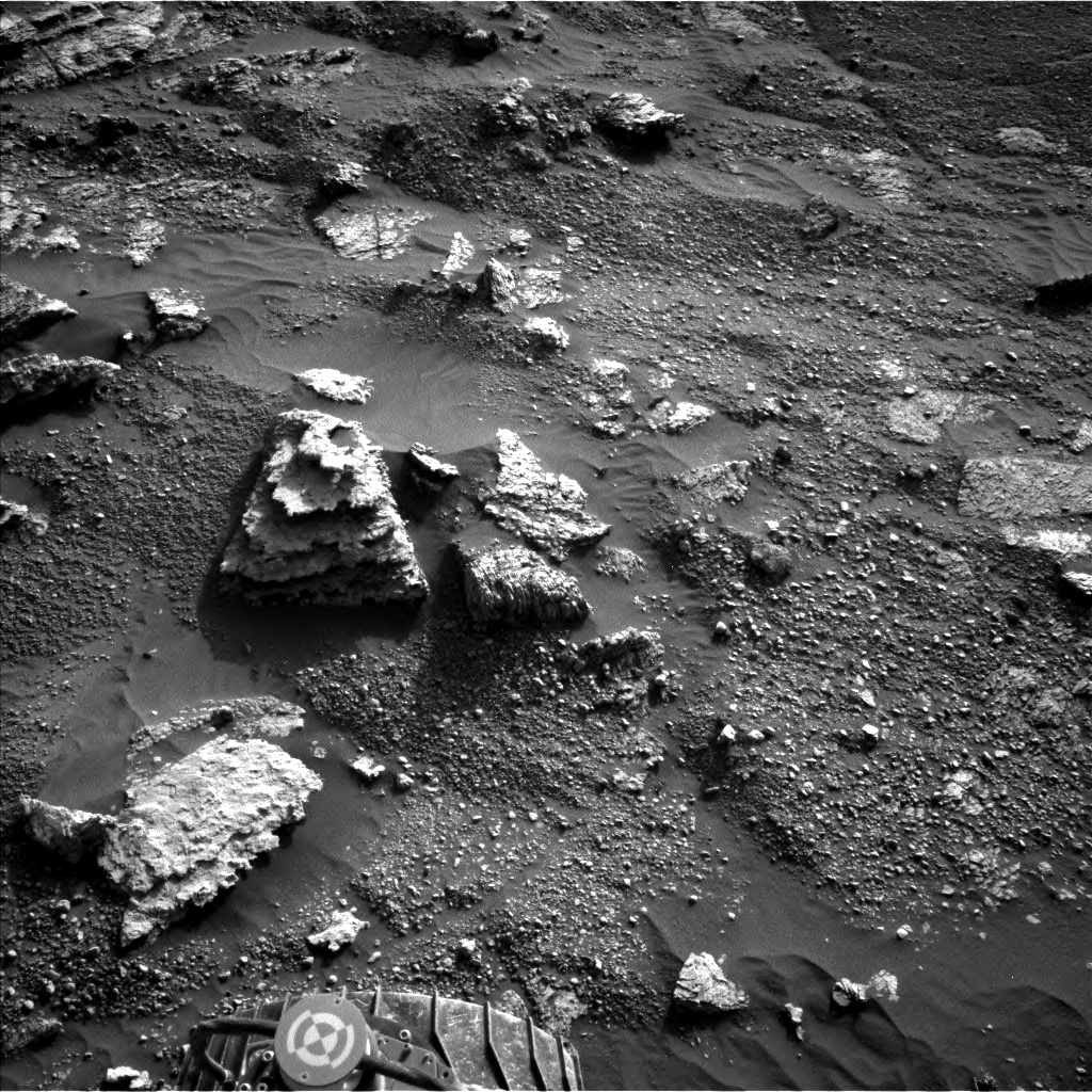 Nasa's Mars rover Curiosity acquired this image using its Left Navigation Camera on Sol 2602, at drive 2954, site number 77