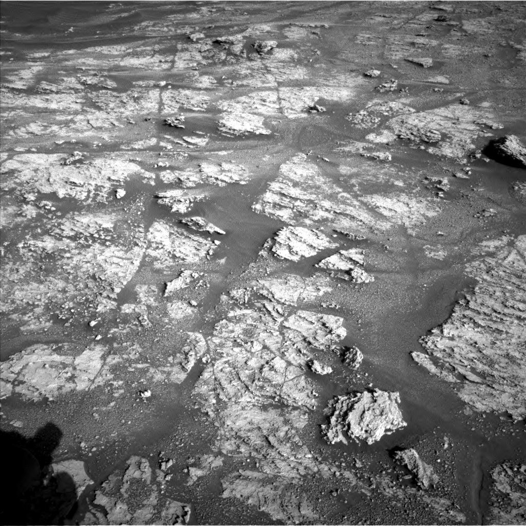 Nasa's Mars rover Curiosity acquired this image using its Left Navigation Camera on Sol 2606, at drive 102, site number 78