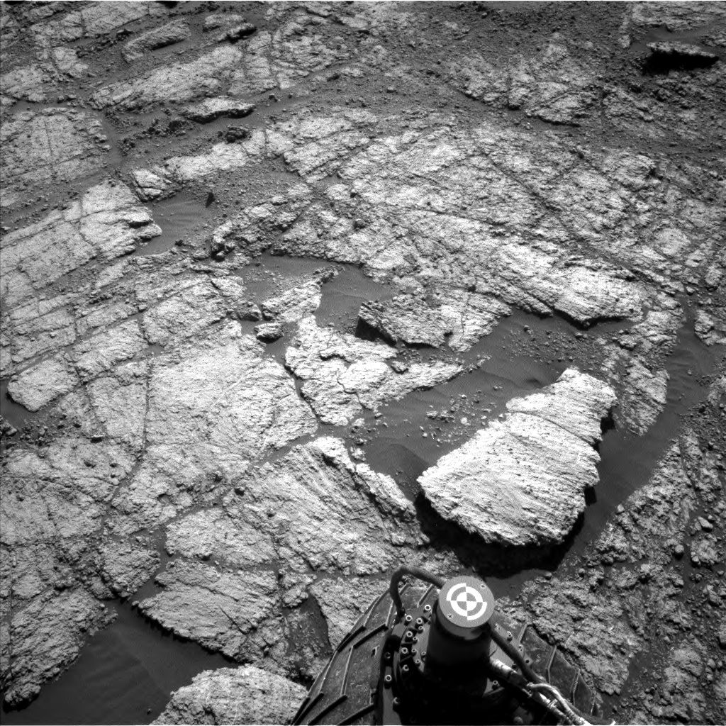 Nasa's Mars rover Curiosity acquired this image using its Left Navigation Camera on Sol 2609, at drive 216, site number 78