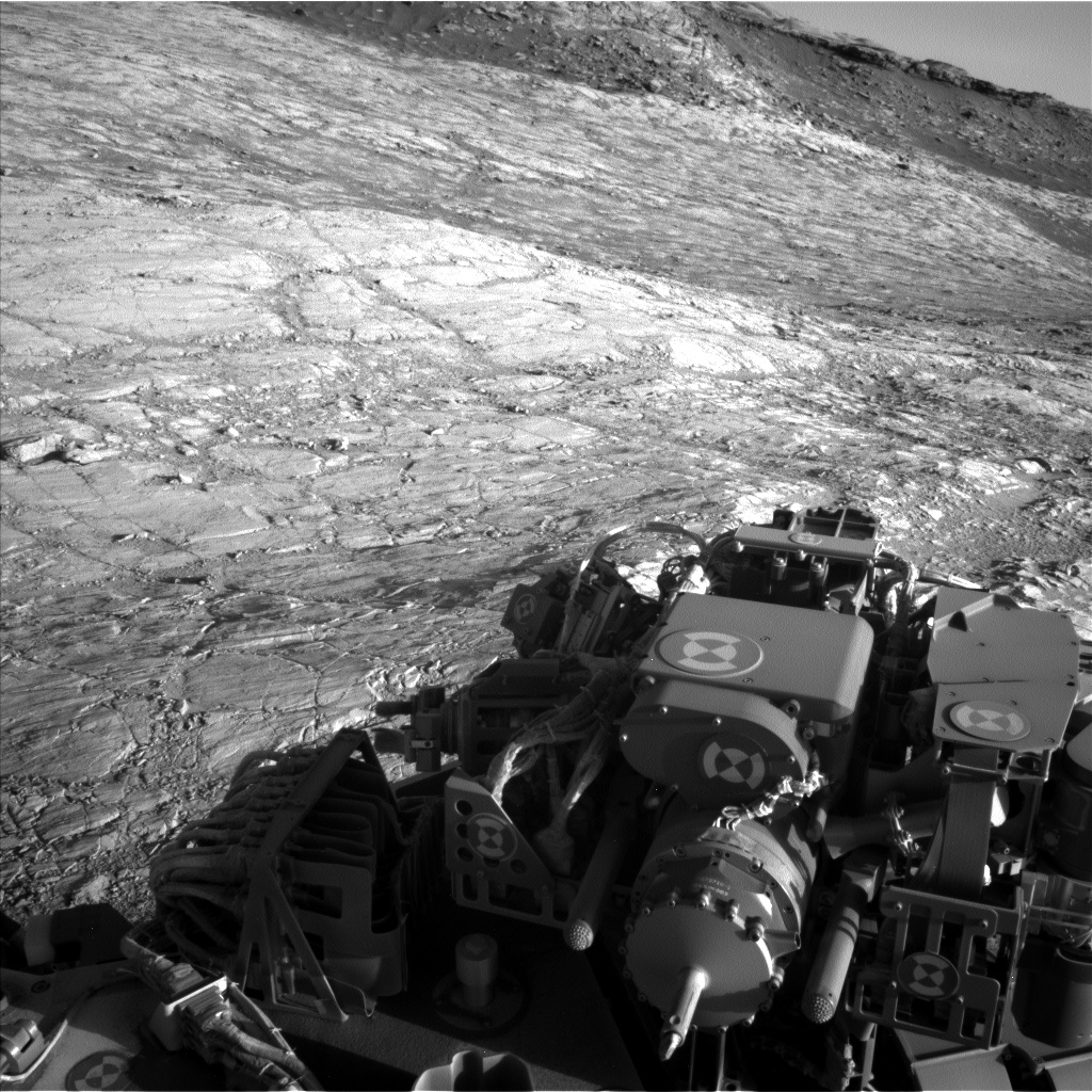 Nasa's Mars rover Curiosity acquired this image using its Left Navigation Camera on Sol 2611, at drive 462, site number 78