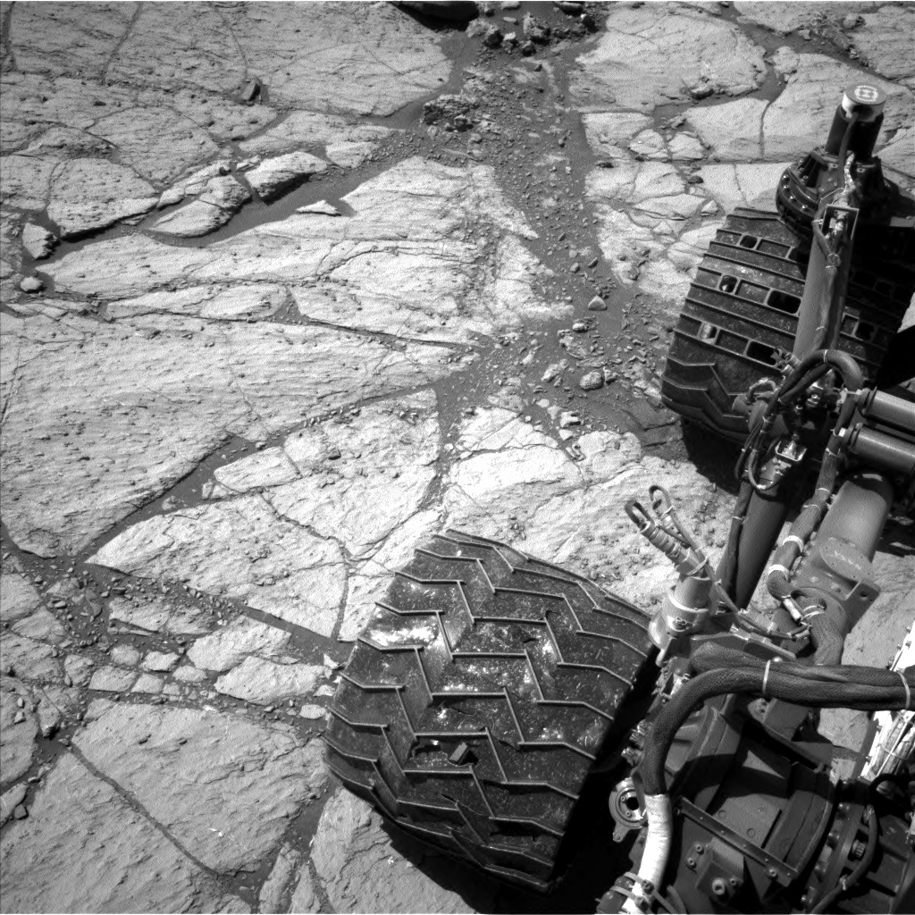 Nasa's Mars rover Curiosity acquired this image using its Left Navigation Camera on Sol 2618, at drive 1002, site number 78