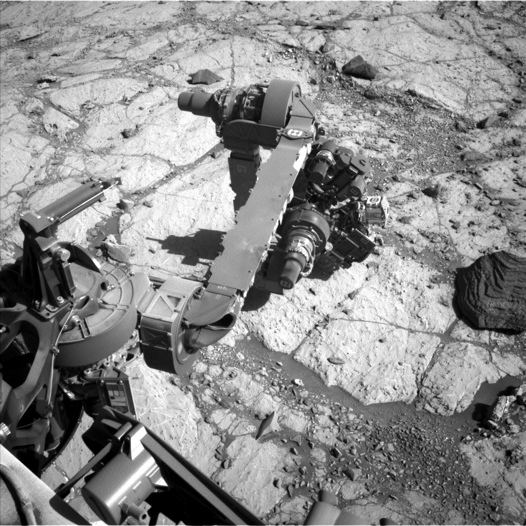 Nasa's Mars rover Curiosity acquired this image using its Left Navigation Camera on Sol 2631, at drive 1002, site number 78