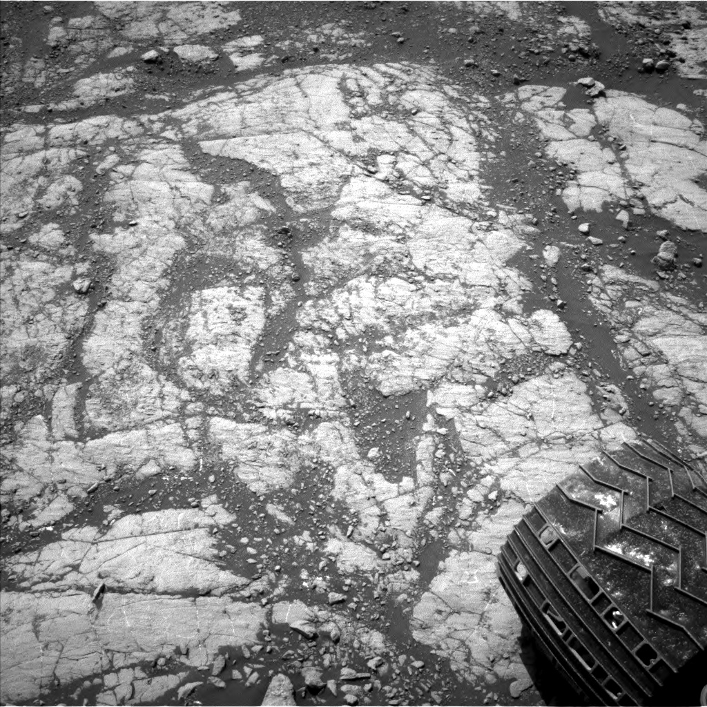 Nasa's Mars rover Curiosity acquired this image using its Left Navigation Camera on Sol 2654, at drive 1946, site number 78