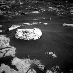 Nasa's Mars rover Curiosity acquired this image using its Left Navigation Camera on Sol 2658, at drive 2420, site number 78