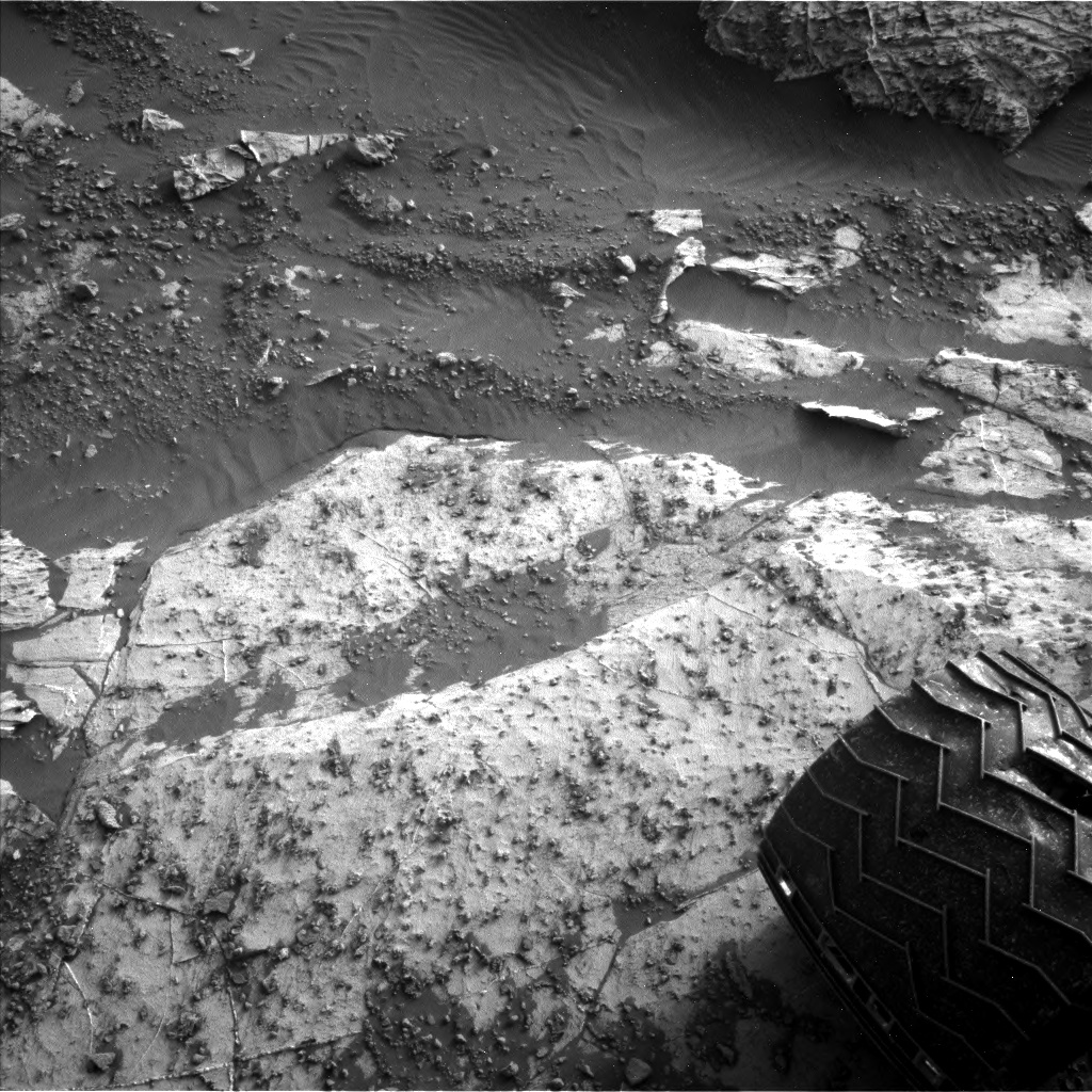Nasa's Mars rover Curiosity acquired this image using its Left Navigation Camera on Sol 2659, at drive 2684, site number 78