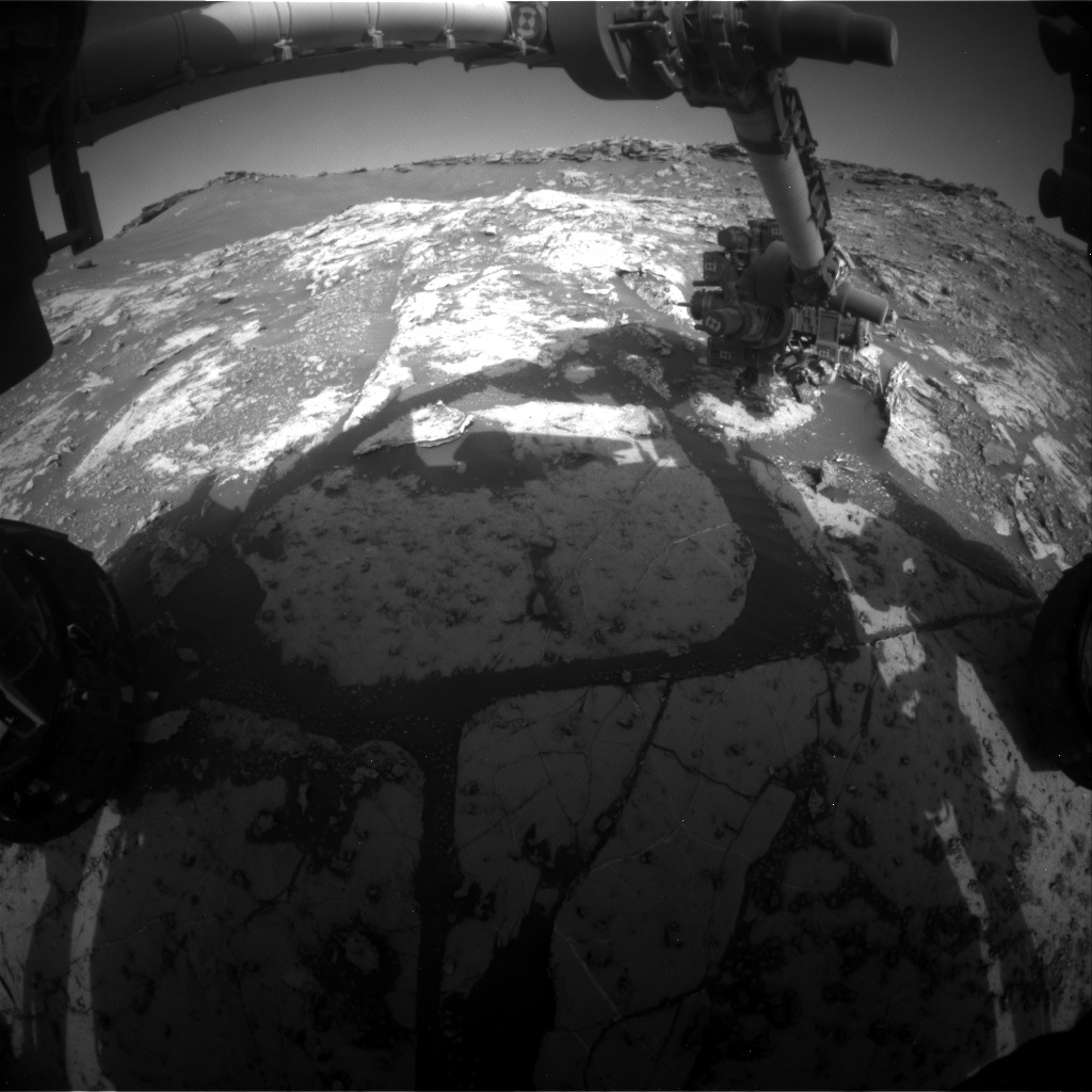 Nasa's Mars rover Curiosity acquired this image using its Front Hazard Avoidance Camera (Front Hazcam) on Sol 2660, at drive 2684, site number 78