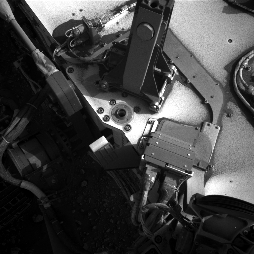 Nasa's Mars rover Curiosity acquired this image using its Left Navigation Camera on Sol 2671, at drive 0, site number 79