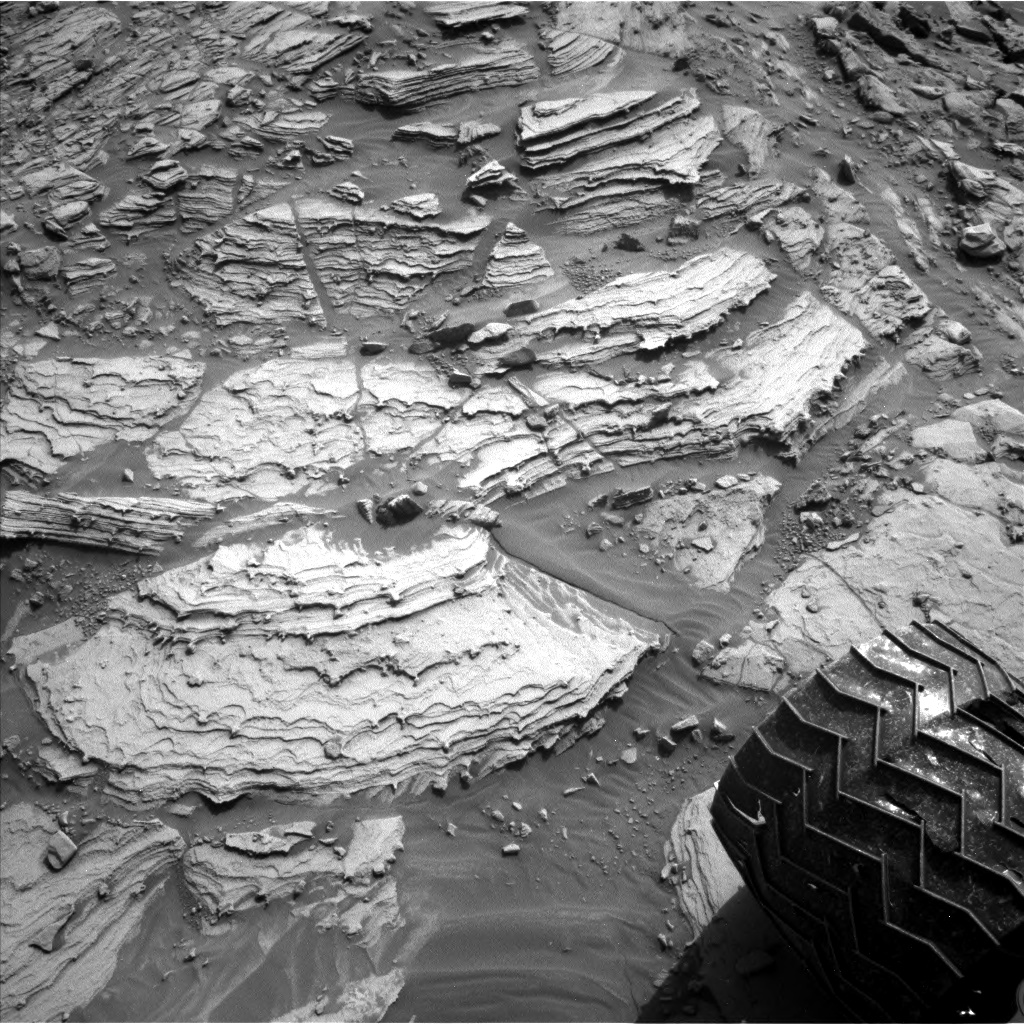 Nasa's Mars rover Curiosity acquired this image using its Left Navigation Camera on Sol 2695, at drive 360, site number 79