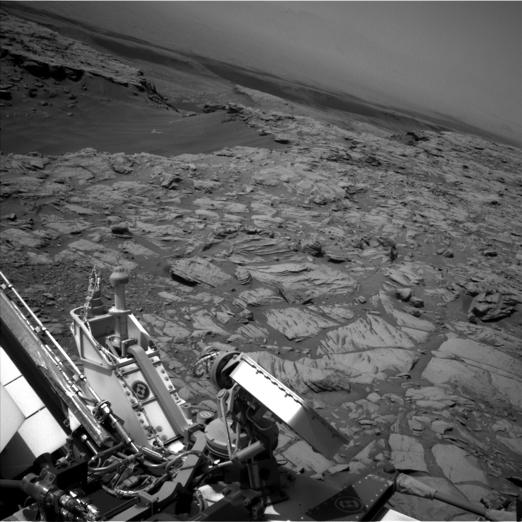 This image was taken by Left Navigation Camera onboard NASA's Mars rover Curiosity on Sol 2698.