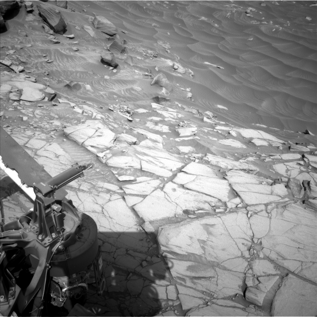 Nasa's Mars rover Curiosity acquired this image using its Left Navigation Camera on Sol 2726, at drive 654, site number 79
