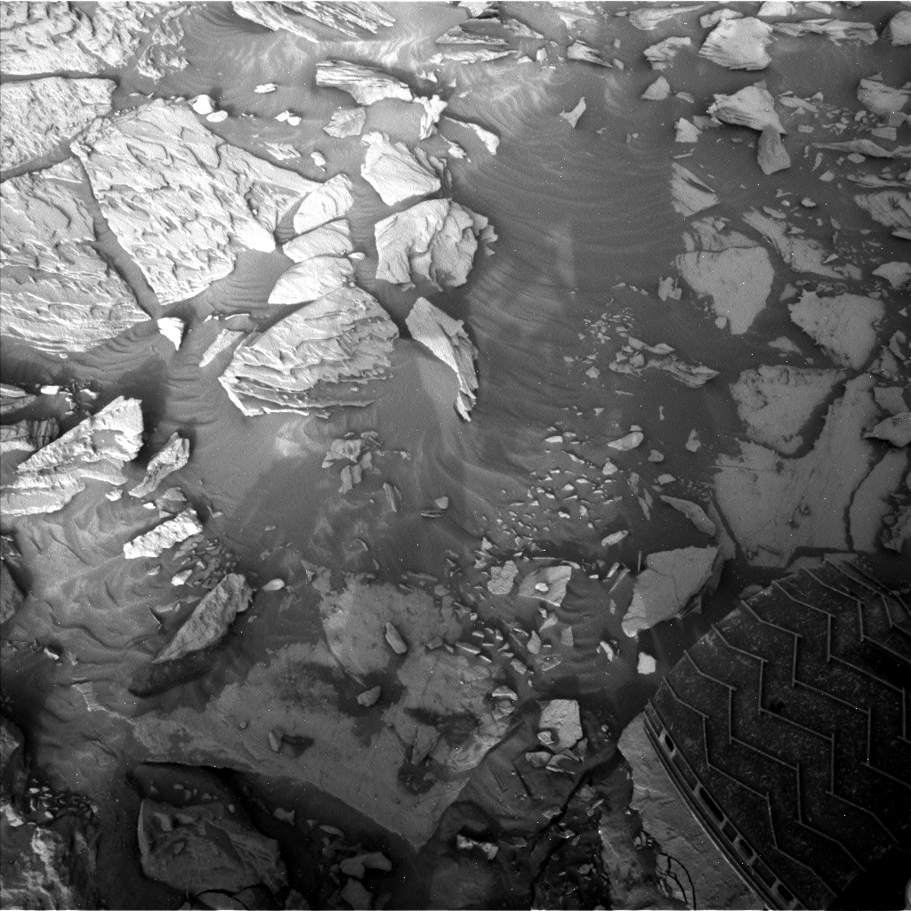 Nasa's Mars rover Curiosity acquired this image using its Left Navigation Camera on Sol 2732, at drive 972, site number 79