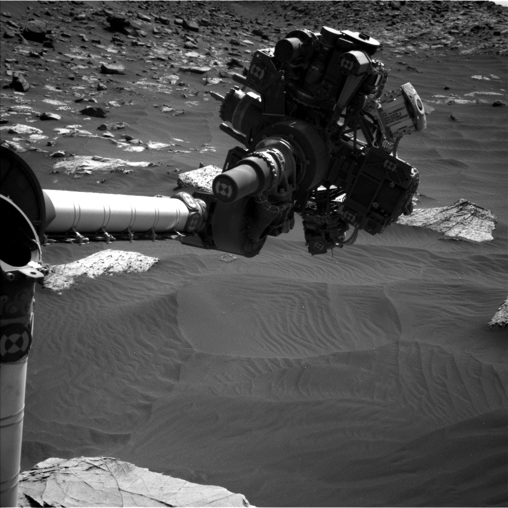 Nasa's Mars rover Curiosity acquired this image using its Left Navigation Camera on Sol 2737, at drive 1222, site number 79