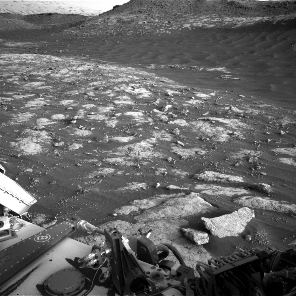 MARS: CURIOSITY u krateru  GALE Vol II. - Page 24 NRB_644388512EDR_F0792640NCAM00296M_