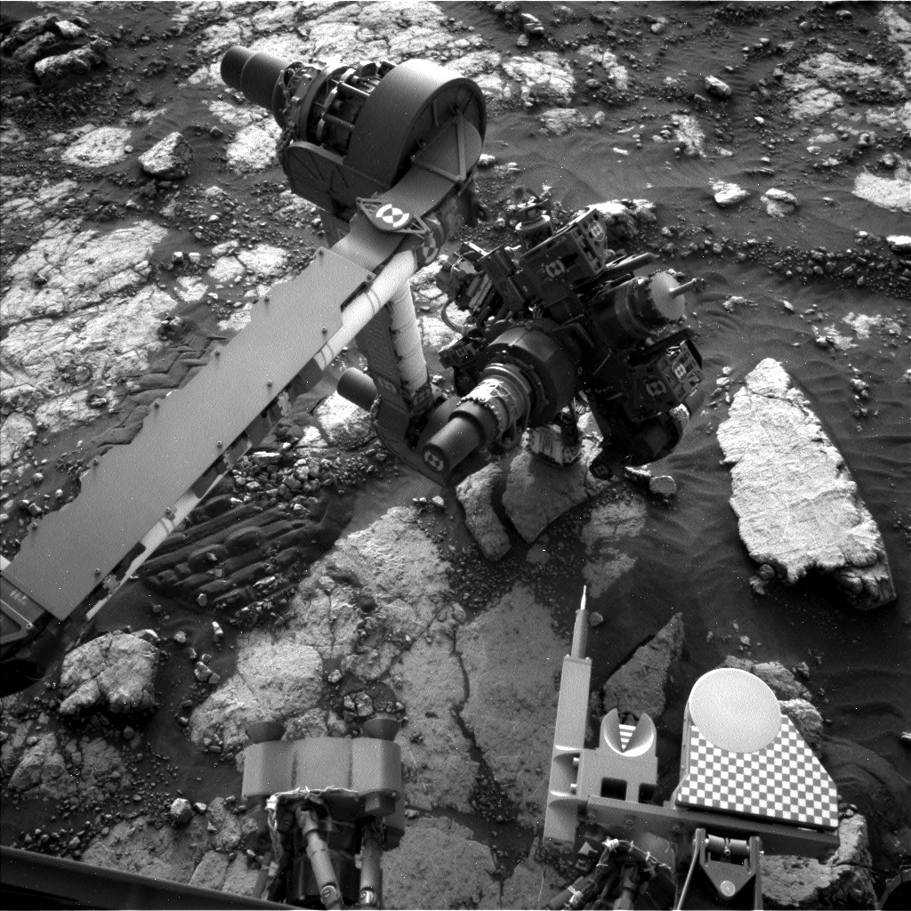 Nasa's Mars rover Curiosity acquired this image using its Left Navigation Camera on Sol 2785, at drive 0, site number 80